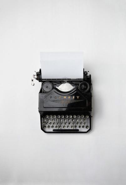 typewriter-498204_1920
