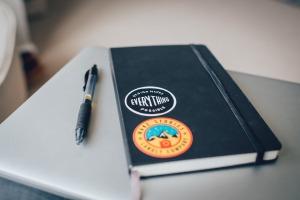 notebook-1209921_1920
